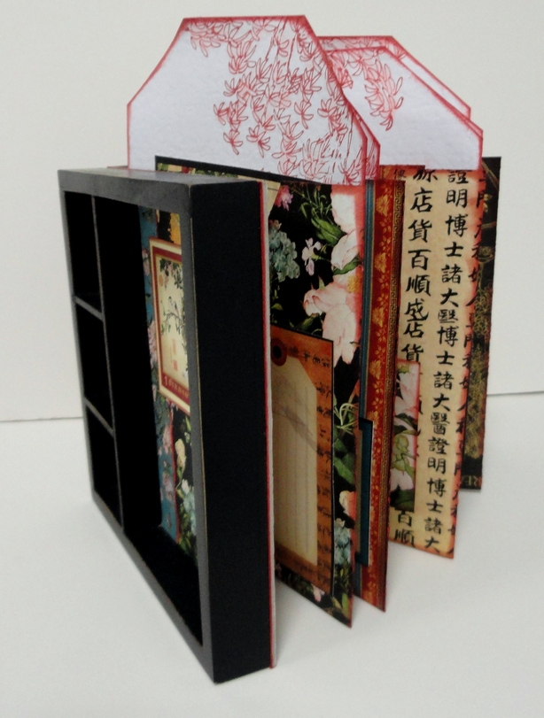 Birdsong Accordion Frame Book by Dyan