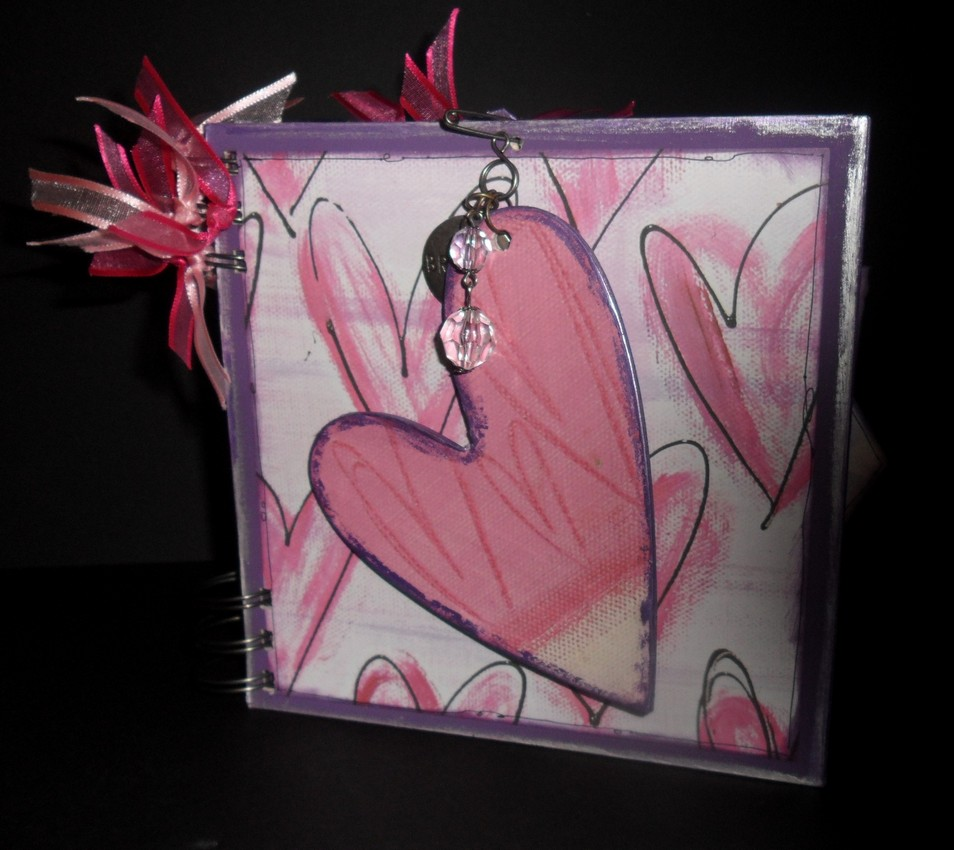 Heart mini book with Sandy Poppins